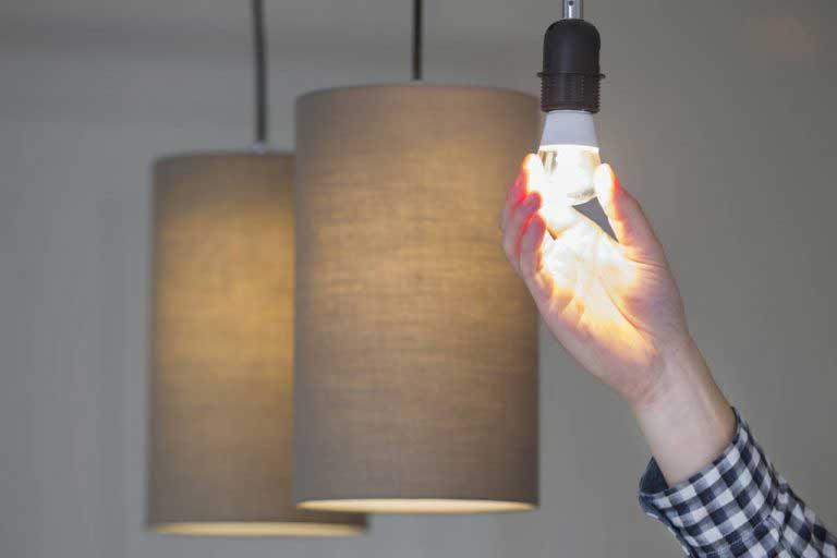 升级到LED灯泡